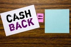 Handschrifts-Mitteilungstext, der Bargeld hinteres Cashback zeigt Geschäftskonzept für die Geld-Versicherung, die auf klebriges B Stockfotos