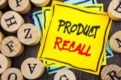 Handschrifts-Mitteilungstext, der Rückruf eines fehlerhaften Produktes zeigt Geschäftsfoto Präsentationsrückruf-Rückerstattungs-R lizenzfreies stockfoto