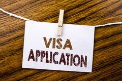 Handschrifts-Mitteilungstext, der Visumsantrag zeigt Geschäftskonzept für Pass Apply geschrieben auf klebriges Briefpapier auf de stockbilder