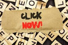 Handschrifts-Mitteilungstext-Vertretung Klicken jetzt Konzeptbedeutung Zeichen-Buch-oder Register-Fahne für Join Apply geschriebe lizenzfreies stockfoto