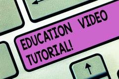 Handschriftstext Ausbildungs-Videotutorium Konzeptbedeutungsmethode der Übertragung des Wissens durch Videotaste Absicht lizenzfreie abbildung