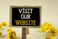 Handschriftstext Besuch unsere Website Konzeptbedeutung Einladungs-Uhrwebseite Link zum homepage-Blog-Internet geschrieben auf hö Stockfoto