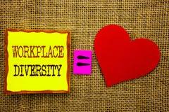 Handschriftstext, der Arbeitsplatz-Verschiedenartigkeit zeigt Geschäftskonzept für Unternehmenskultur-globales Konzept für die Un stockfotos