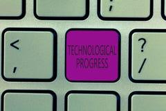 Handschriftstext, der technologischen Fortschritt schreibt Konzeptbedeutung Gesamtprozeß der Erfindungs-Innovations-Diffusion lizenzfreie stockfotografie