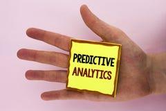 Handschriftstext, der vorbestimmte Analytik schreibt Konzeptbedeutung Methode, zum der Leistungs-statistischen Analyse zu prognos stockfotografie