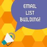 Handschriftstext E-Mail-Listen-Gebäude Konzeptbedeutung erlaubt Verteilung von Informationen analysisy Internetnutzern stock abbildung