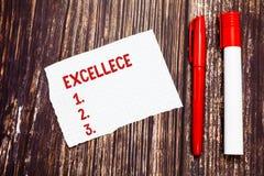 Handschriftstext Excellece Das Konzept, das Qualität des Seins hervorragende oder extrem gute fünf Sterne bedeutet, löschen hefti stockfotos