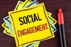 Handschriftstext gesellschaftliche Verpflichtung Konzeptbedeutungsbeitrag erhält hohe Reichweite Gleich-Anzeigen SEO Advertising  stockfotos