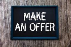 Handschriftstext machen ein Angebot Konzeptbedeutung Antrag holen oben freiwilligen Proffer schenken Angebot Grant lizenzfreie stockbilder
