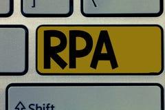 Handschriftstext Rpa Konzept, das den Gebrauch von Software mit künstlicher Intelligenz, grundlegende Aufgabe zu tun bedeutet stockbilder