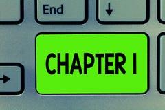 Handschriftstext-Schreiben Kapitel 1 Neue Inspiration Gelegenheit des Konzeptbedeutung Anfangsod-Buchprojektgeschichtenerzählens lizenzfreie stockfotografie