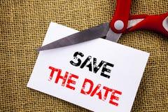 Handschriftstext-Vertretung Abwehr das Datum Begriffsfoto Hochzeitstag-Einladungs-Anzeige geschrieben auf klebriges Briefpapier C Lizenzfreie Stockfotos