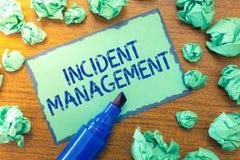 Handschriftstext Vorfall-Management Konzeptbedeutung Prozess zur Gegenleistung zu den normalen korrekten Gefahren stockbilder