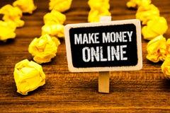 Handschriftstextschreiben verdienen Geld on-line Der Ebusiness-Innovations-Netz-Technologie des Konzeptbedeutung Geschäfts-elektr lizenzfreies stockfoto