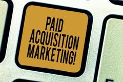 Handschrifttekst die Betaalde Aanwinst Marketing schrijven Concept die opties om klanten betekenen te verwerven om plaats te bezo stock foto's