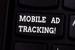 Handschrifttekst die het Mobiele Advertentie Volgen schrijven De monitormerk van de conceptenbetekenis perforanalysisce met inbeg stock foto's