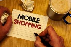 Handschrifttekst die het Mobiele Winkelen schrijven Concept die Kopend Producten Online Technologische Aankoop de Draadloze holdi stock afbeelding