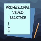 Handschrifttekst die het Professionele Video Maken schrijven Concept die die Filmmaking-Beelden betekenen digitaal door een desku vector illustratie