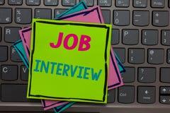 Handschrifttekst die Job Interview schrijven Het concept die Beoordelingsvragen betekenen beantwoordt het Huren Werkgelegenheidsc royalty-vrije stock foto's