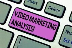 Handschrifttekst die Video Marketing Analyse schrijven Concept die software betekenen dat online centraliseert en video levert stock fotografie