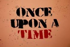 Handschrifttekst eens Open schrijven een Tijd Concept die vertellend het verhaal van verhaalfairytale Historische gebeurtenis Nie stock afbeelding