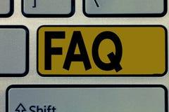 Handschrifttekst Faq Concept die a-vragenlijst en antwoorden met betrekking tot een bepaald onderwerp betekenen royalty-vrije stock afbeelding