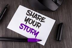 Handschrifttekst het schrijven Aandeel Uw Verhaal De conceptenbetekenis vertelt persoonlijke die ervaringen spreekt over zich Sto royalty-vrije stock fotografie