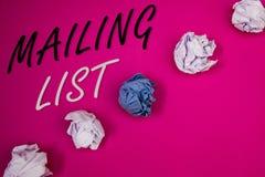 Handschrifttekst het schrijven het Adressenlijstconcept die Namen en adressen van mensen betekenen u gaat iets verzenden royalty-vrije stock fotografie