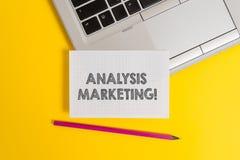 Handschrifttekst het schrijven Analyse Marketing Concept die Kwantitatieve en kwalitatieve beoordeling van een marktbovenkant bet stock fotografie