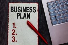 Handschrifttekst het schrijven Businessplan Concept die het Structurele van Strategiedoelstellingen en Doelstellingen Financiële  royalty-vrije stock fotografie