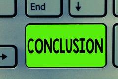 Handschrifttekst het schrijven Conclusie De conceptenbetekenis vloeit het Eind van het analyse Definitieve besluit van een gebeur stock afbeelding