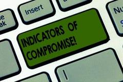Handschrifttekst het schrijven Indicatoren van Compromis Concept die die artefact betekenen op een Toetsenbord van netwerk Gerech royalty-vrije stock afbeelding