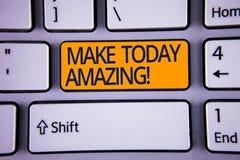 Handschrifttekst het schrijven maakt vandaag Verbazende Motievenvraag Concept die Productieve Ogenblik Speciale Optimistische Zil royalty-vrije stock afbeelding