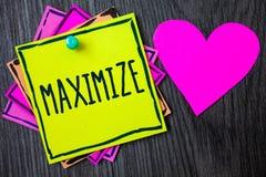 Handschrifttekst het schrijven maximaliseert De Verhoging van de conceptenbetekenis aan het grootste mogelijke bedrag of de graad stock fotografie