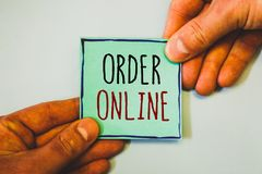 Handschrifttekst het schrijven Orde online Concept die Aankoop betekenen iets op Internet-Elektronische handel het Draadloze wink royalty-vrije stock foto