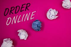 Handschrifttekst het schrijven Orde online Concept die Aankoop betekenen iets op Internet-Elektronische handel het Draadloze wink stock afbeelding