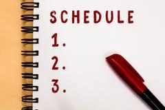 Handschrifttekst het schrijven Programma Concept die plan voor het uitvoeren van procesprocedure betekenen die de tijden van lijs royalty-vrije stock afbeeldingen