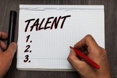 Handschrifttekst het schrijven Talent Concept die Natuurlijke capaciteiten van mensen betekenen die gespecialiseerde vaardigheden stock foto