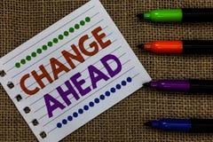 Handschrifttekst het schrijven Verandering vooruit Concept die Sommige wijzigingen betekenen die wachten te gebeuren Document Imp royalty-vrije stock afbeelding