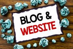 Handschrifttext-Titelinspiration, die Blog-Website zeigt Geschäftskonzept für das Blogging Sozialnetz geschrieben auf klebriges B Lizenzfreie Stockfotos