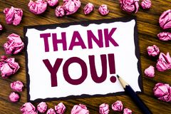Handschrifttexttitel-Inspirationsvertretung danken Ihnen Geschäftskonzept für die Dank-Mitteilung geschrieben auf das klebrige Br Stockbild