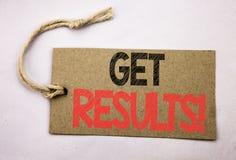Handschrifttexttitel-Inspirationsvertretung erhalten Ergebnisse Geschäftskonzept für Achieve Ergebnis geschrieben auf Preispapier Stockbild