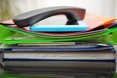 Handset i pastylki komputer na górze acc zdjęcie royalty free