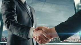 Handshaking бизнесмена на важной встрече в Палермо сток-видео