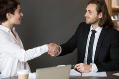 Handshaking деловых партнеров после закрывать успешное дело Стоковая Фотография RF
