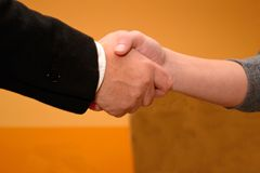 Handshaking supervisors and candidates Royalty Free Stock Photography