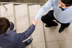 handshakingmän royaltyfri foto