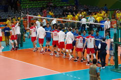 Handskakning mellan Polen och Argentina på Rio2016 royaltyfri foto
