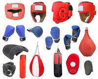 handskar för utrustning för begrepp för bakgrundsbollboxning avlade examen att slå arkivfoto