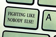 Handskrifttext som annars slåss som inget Begreppsbetydelsekamp för dina rätter som motiveras för att segra konkurrenstangentbord royaltyfria bilder